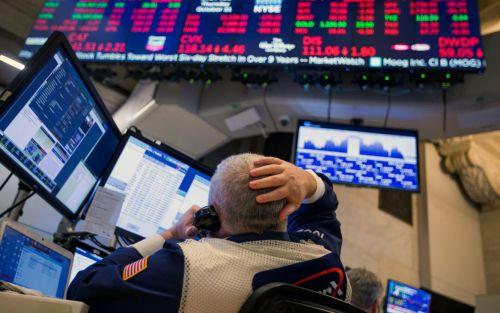 Subieron las acciones tecnológicas y cayeron las de los bancos