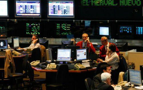 Rebote en los mercados: subió el Merval y cayó el riesgo país