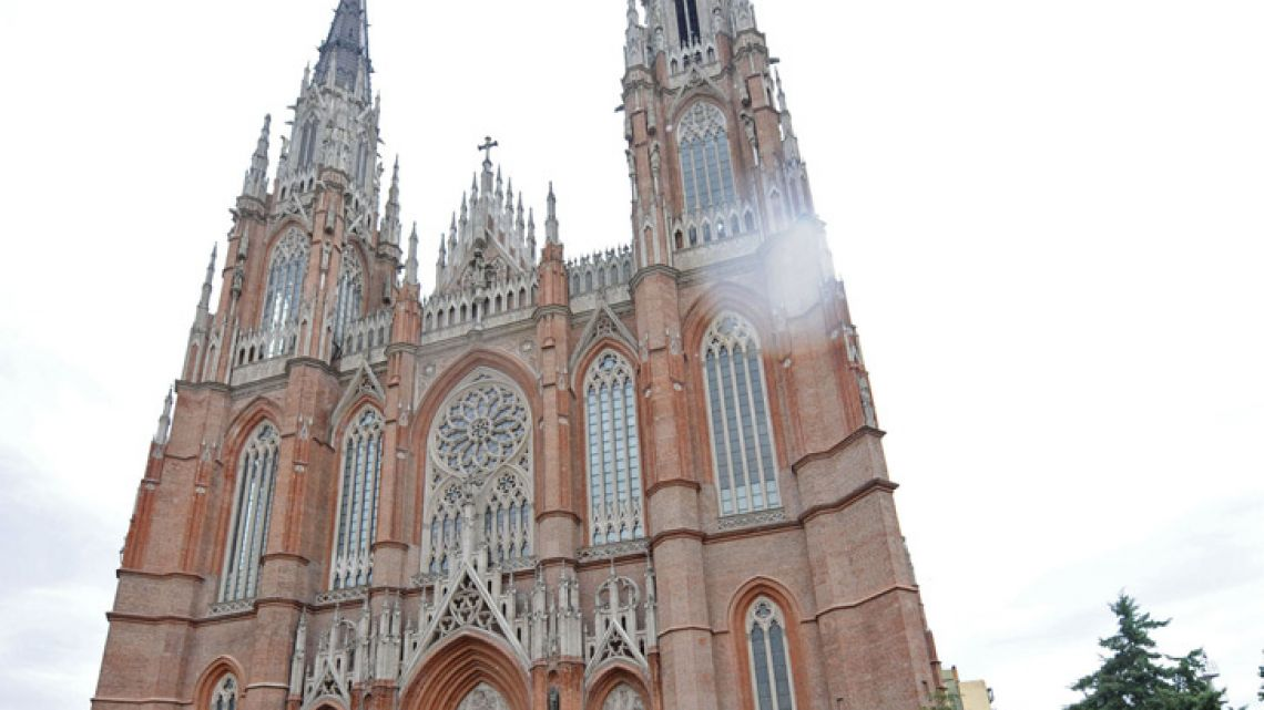 Built in a neo-Gothic style in the 1930s, work on the La Plata cathedral was interrupted when it was suspected that the structure was not strong enough to support its two towers.