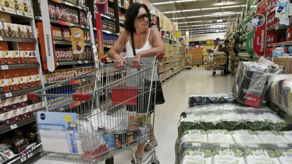 La baja en las ventas indica la caída en el consumo.
