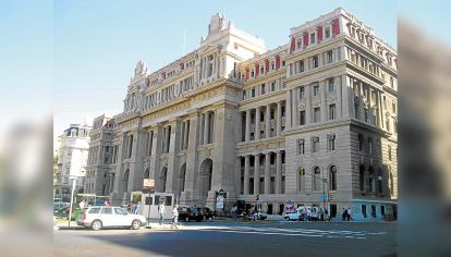 frente palacio de justicia