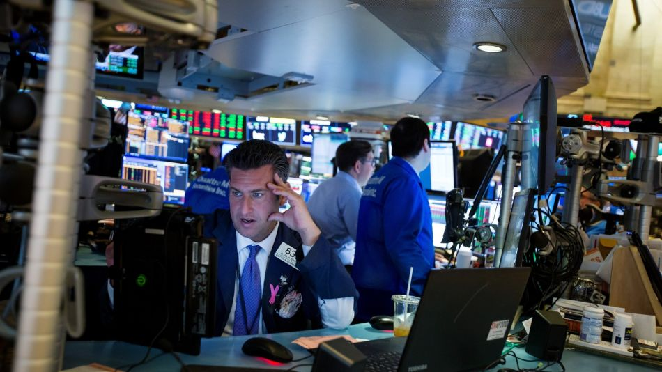 Trading On The Floor Of The NYSE As Stocks, Greenback Decline As Global Tensions Rise