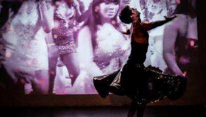 """Ezequiel Barrios en el unipersonal de danza """"Puto""""."""