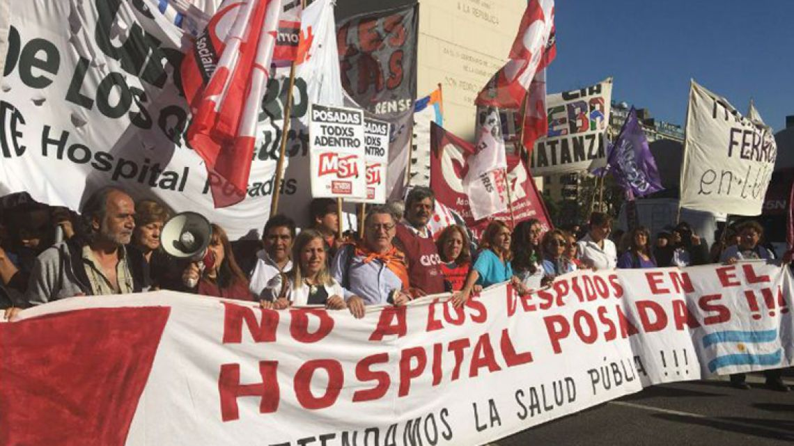 Posadas Hospital workers protest in March, 2018 against lay-offs, including of specialised doctors.