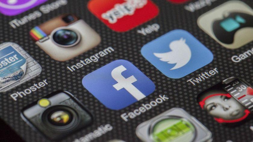 Las Novedades De Facebook Instagram Twitter Y Whatsapp Para 2019