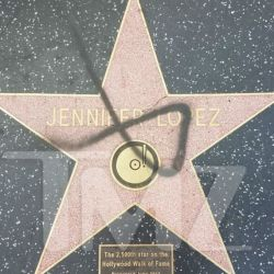 1121_Walk_of_Fame_Jennifer_Lopez