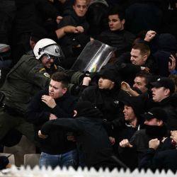 Batalla campal en Atenas