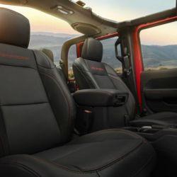 12-jeep-gladiator-rubicon-interior-2