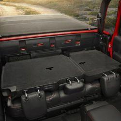 14-jeep-gladiator-rubicon-interior-4