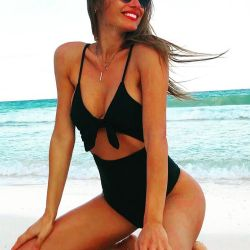 pampita_hot (8)