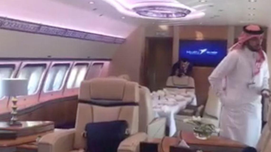 001-avion-saudi