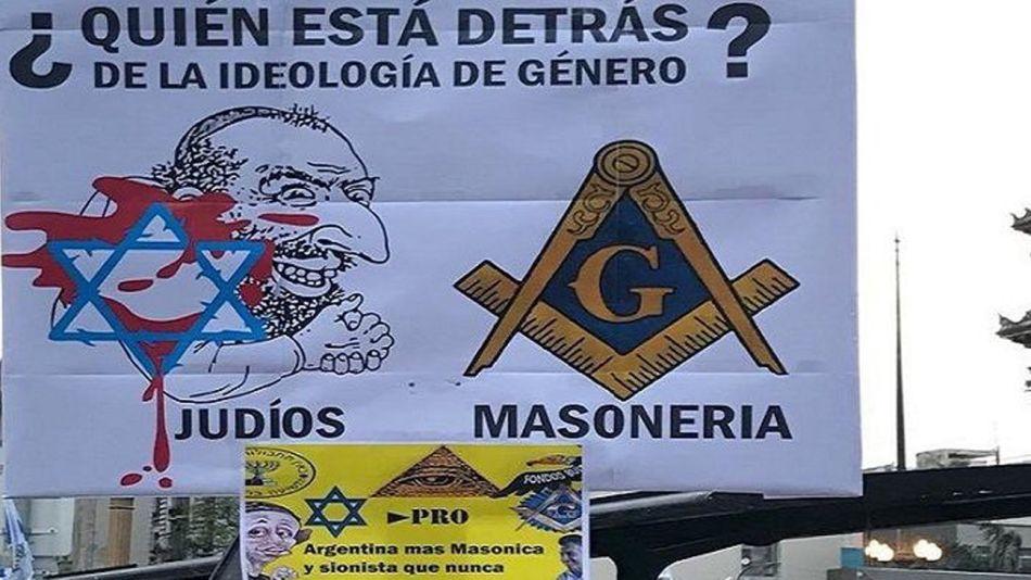 aparecieron carteles nazis en la marcha 11012018