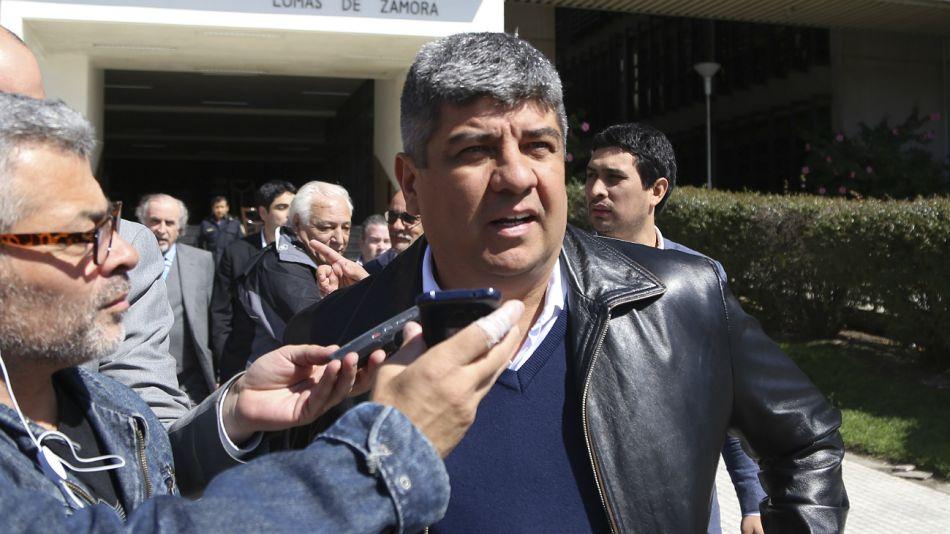 Pablo Moyano, al retirarse de los tribunales de Lomas de Zamora.