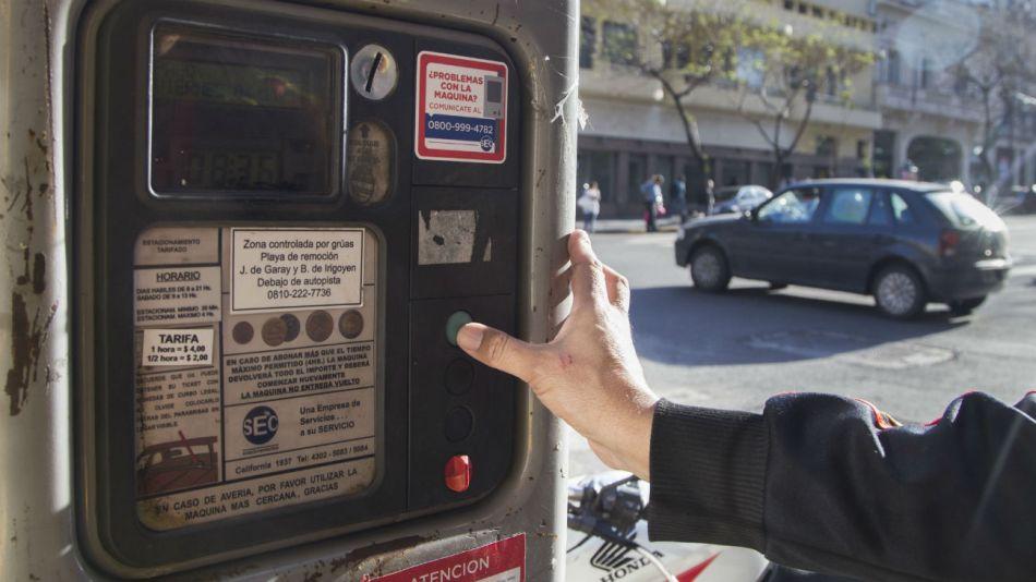 El 45 por ciento de las calles tendrán estacionamiento regulado.