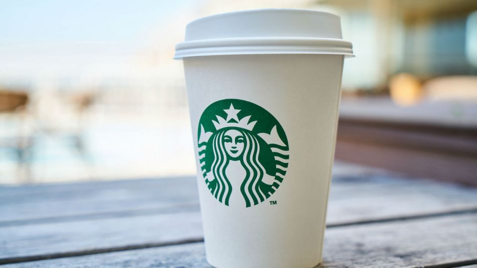 Starbucks busca contentar a sus clientes.