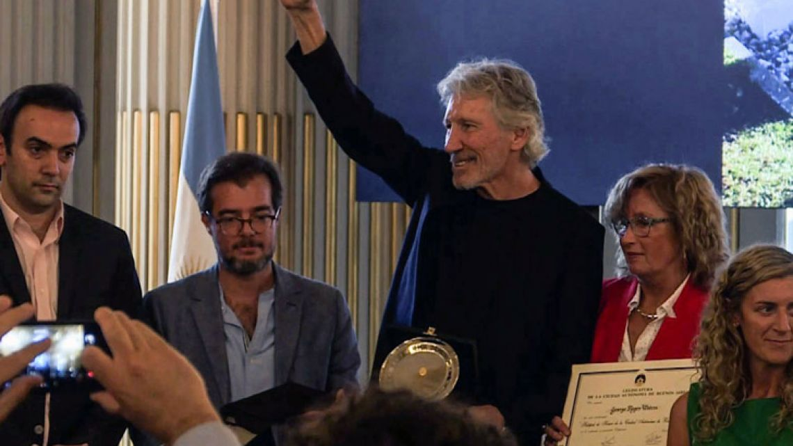 British rock icon and activist Roger Waters with relatives of Argentine fallen soldiers.