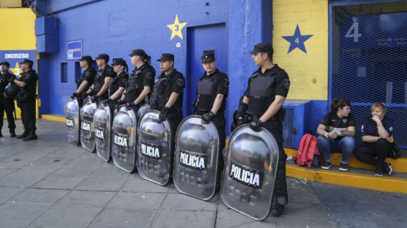 Tras el fallido operativo, recrudece la interna entre la Policía Federal y la Metropolitana