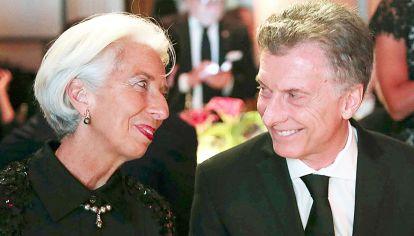 Pasaron cosas. Macri y Lagarde juntos. El fútbol no sería parte de los acuerdos firmados con el FMI.