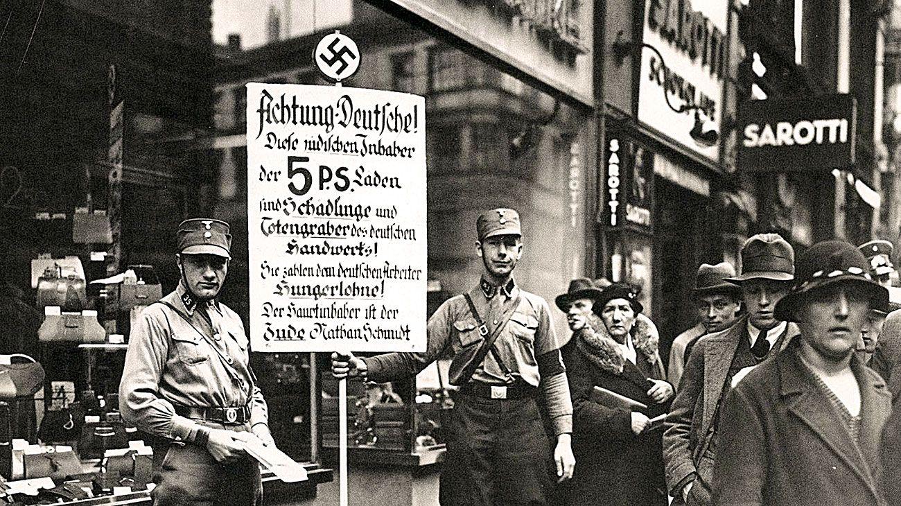 El huevo de la serpiente. Pese a los daños provocados entre los judíos alemanes y austríacos, la comunidad internacional reaccionó con pasividad.