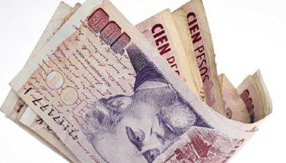 FALSA OPCION. Los industriales aseguran que endeudarse para pagar el bono terminará siendo un salvavidas de plomo para las empresas.