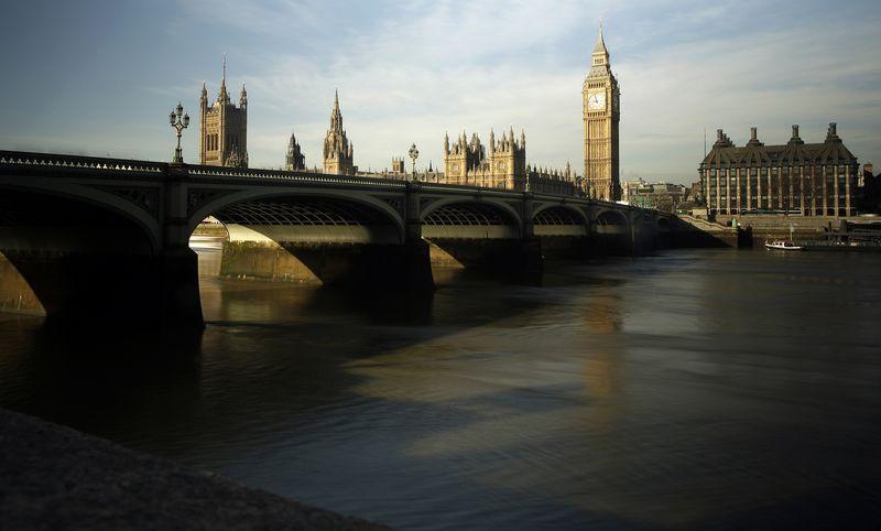En total, 25 de los 33 distritos de Londres analizados por Acadata sufrieron caídas de precios en el año hasta septiembre