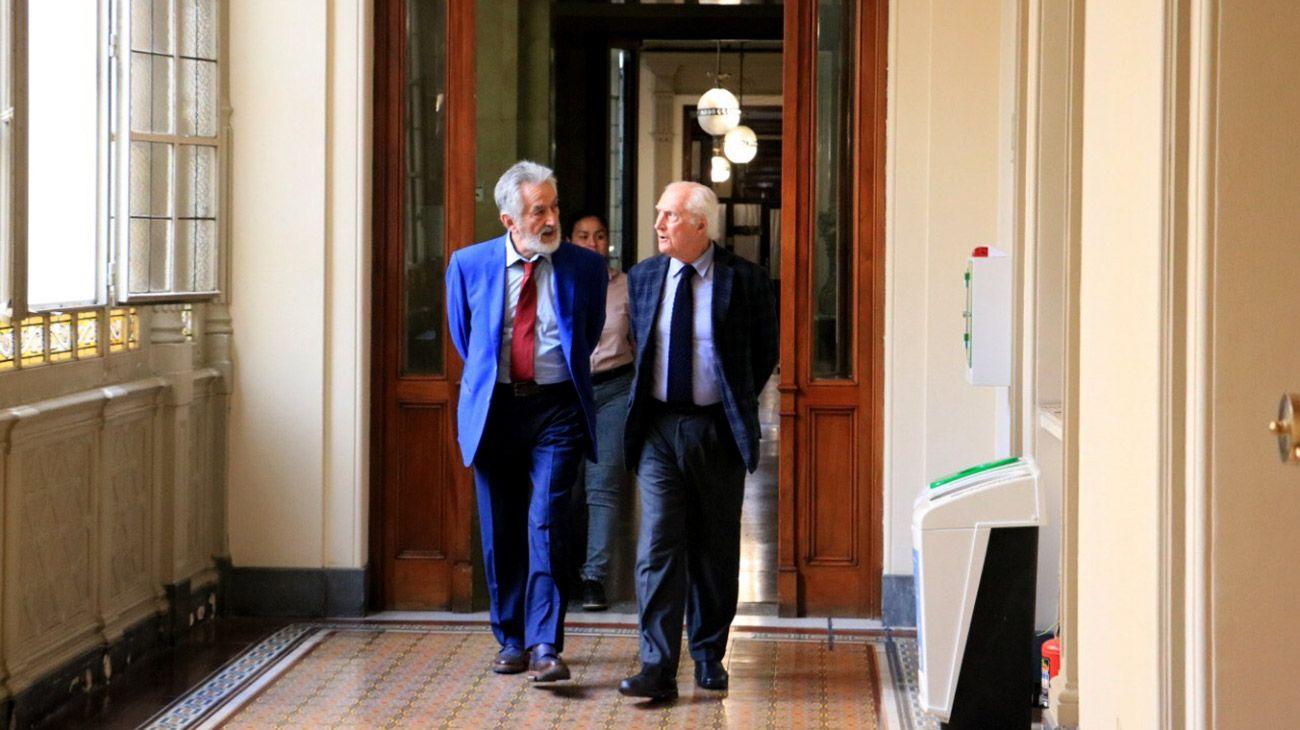 Reunión de Senadores peronistas en el despacho de Pino Solanas