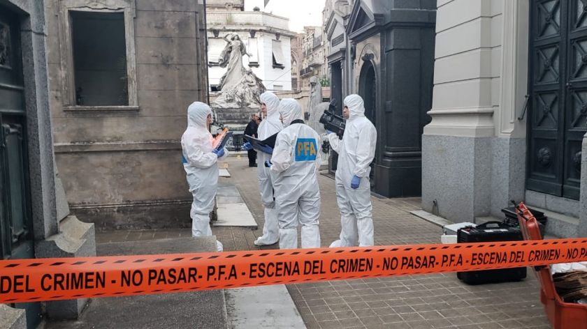 Estalló una bomba en Recoleta y una mujer se encuentra grave