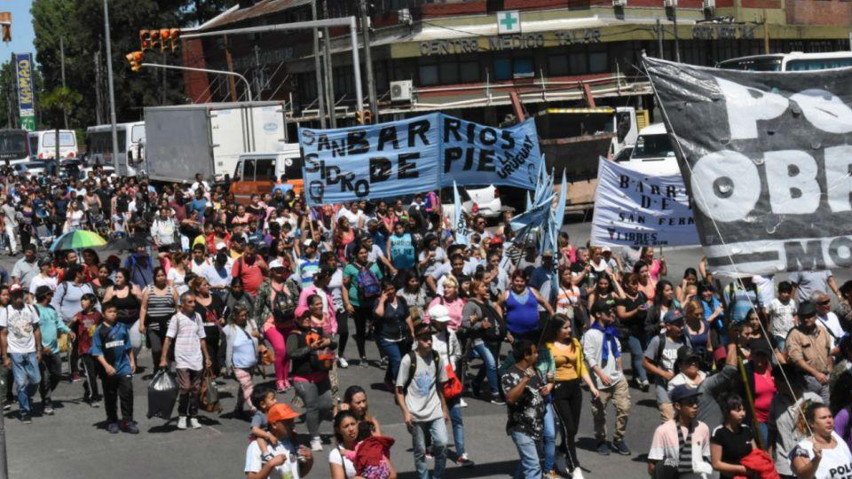 Miembros de la organización Barrios de Pie se manifestaron en la Zona Norte del Conurbano.
