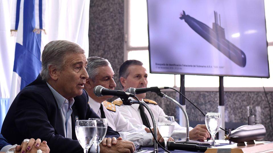 El ministro de defensa, Oscar Aguad, durante la conferencia de prensa.
