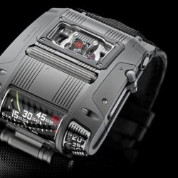 El diseño tan vanguardista como costoso del Urwerk UR-100C reinventar la manera en que miramos la hora.