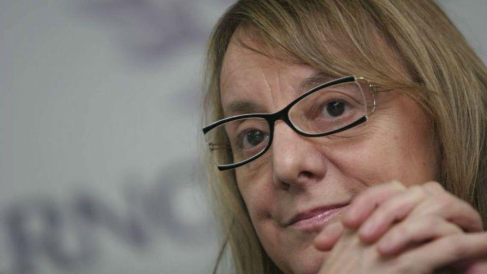 Alicia Kirchner instruyó a cada sector de su gobierno a no superar para este año una pauta salarial de $ 2.000,00.