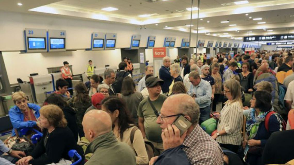 Passengers seen stranded at Buenos Aires' aeroparque airport.