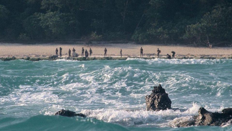 Sentinel Norte es el hogar de la que es probablemente la última tribu sin contacto exterior en todo el mundo, residente de la isla desde la Edad de Piedra.