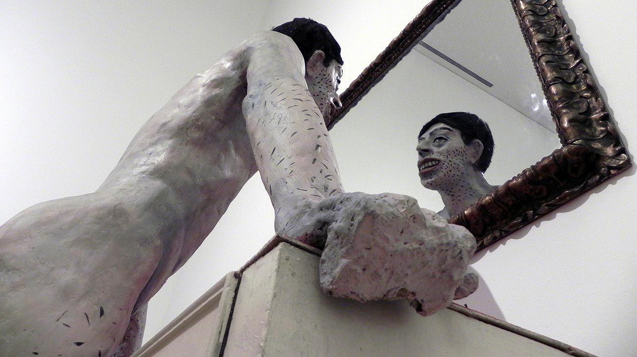 Narciso de Mataderos, la obra que marca la vuelta a las técnicas y los materiales utilizados antes del período intimista de Suárez.