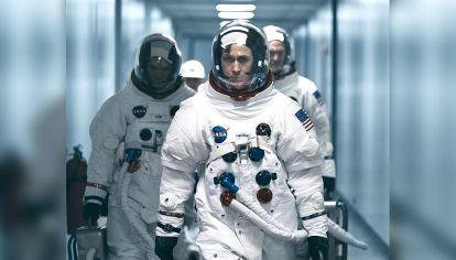 Lider. Neil Armstrong  comandó la misión Apolo 11. En el film, es interpretado por el actor Ryan Gosling.