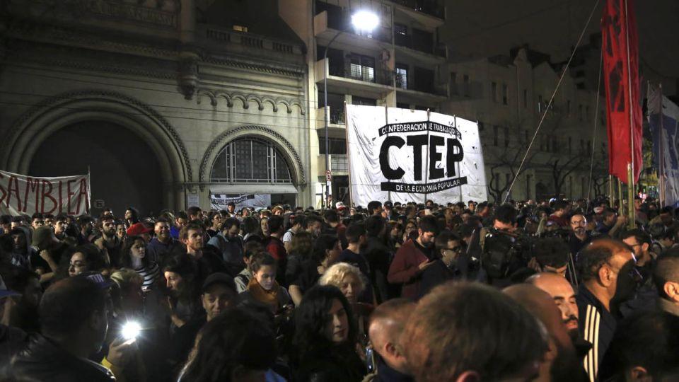 """protesta. Orellana era miembro de la CTEP, que denunció la """"desidia del Estado"""" en el Conurbano."""