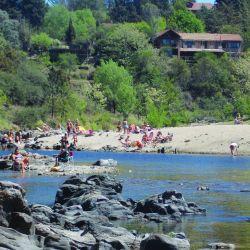 Playas lejanas al mar de la Argentina, pesca y aventuras diversas en Weekend de diciembre.