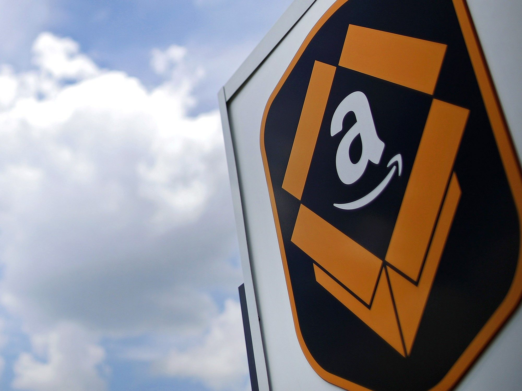 Amazon revela su propio chip para servidores y desafía a Intel