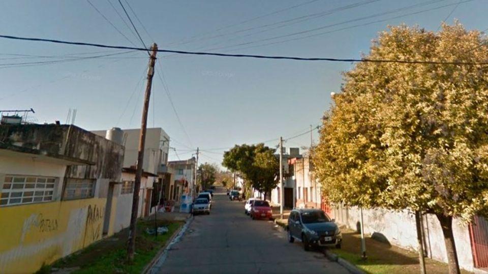 La cuadra en la localidad de Tolosa donde un hombre Mató a su hijo de 10 años, hirió a su pareja y se atrincheró.