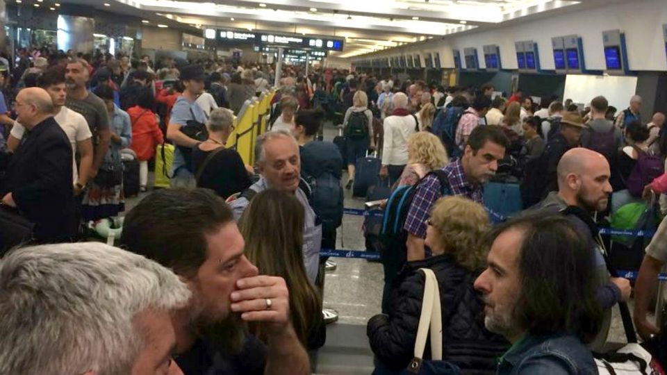 En Aeroparque quedaron afectados miles de pasajeros.