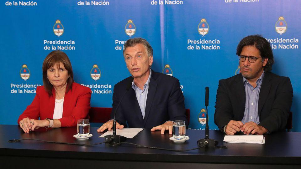 El presidente Mauricio Macri anunció que incluirá en el temario para sesiones extraordinarias del Congreso un proyecto de ley del Poder Ejecutivo para combatir la violencia en el fútbol.