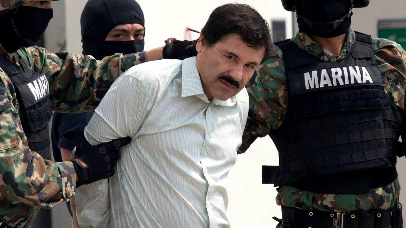 El juicio del Chapo, que durará más de cuatro meses, se desarrolla bajo condiciones de seguridad máximas tras las dos fugas espectaculares del Chapo de prisiones mexicanas en 2001 y 2015.