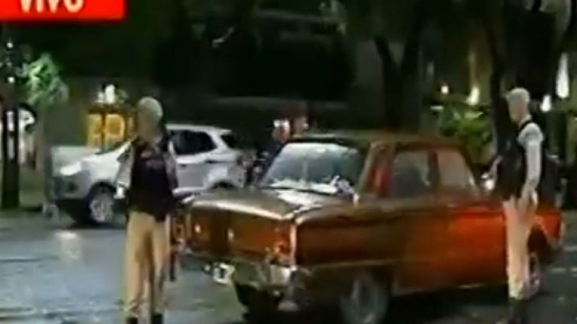 A old Ford Falcon broke down in front of the Saudi Embassy in Buenos Aires.