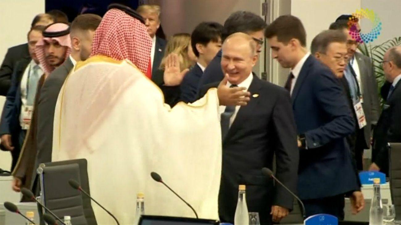 Putin y Salman chocan las palmas en plena cumbre del G20.