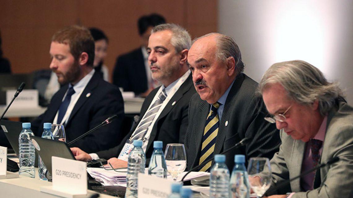 G20 Sherpa Pedro Villagra Delgado (second from left) heads a G20 meeting.