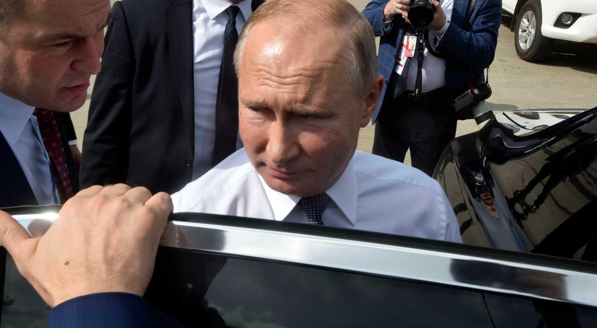 El presidente de Rusia, Vladimir Putin llega al país para participar del G20
