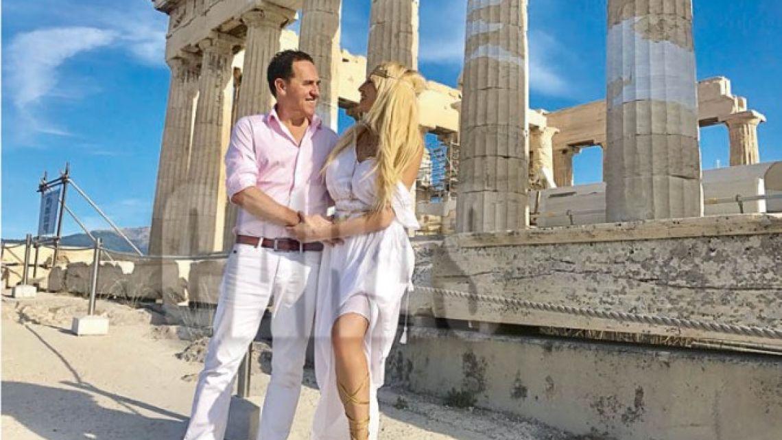 Vicky Xipolitakis renovó sus votos matrimoniales