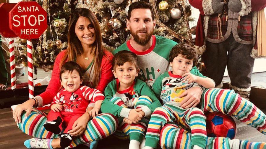 2512_Lionel_Messi_Antonela_Roccuzzo