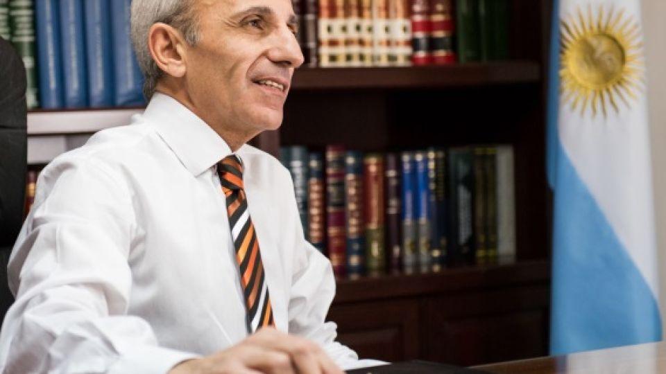 Dr. Carlos Raúl Nayi