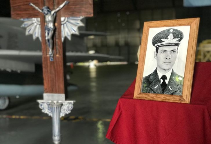 Recibimiento de los restos de un combatiente caído en Malvinas
